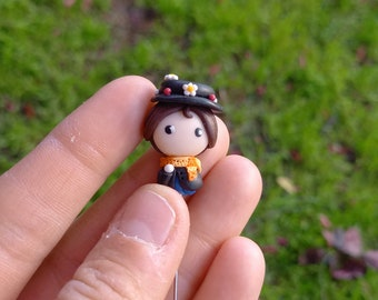 Mary Poppins Bowie pin or charm