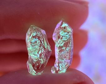 Rare! UV Reactive Petroleum Quartz Points | 1 gram (Pakistan), natural petroleum quartz crystal, UV reactive crystal, enhydro quartz