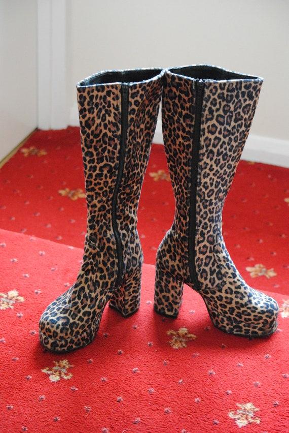90s Vintage Faux Fur Leopard Print Knee High Platf