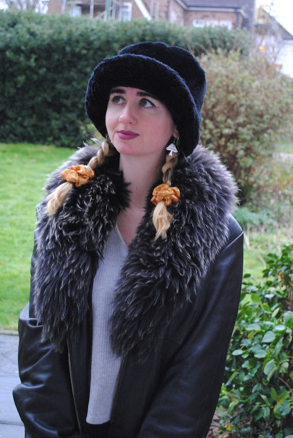 90s Vintage Black Faux Fur Bucket Hat