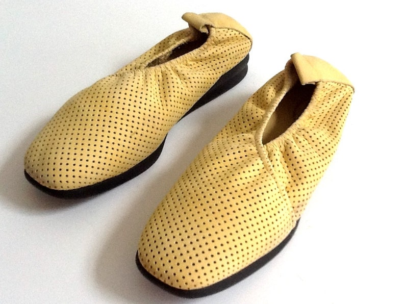 1e828a135 Vintage Arche Ladies Yellow Nubuck Shoes Size 40 EU Size 9