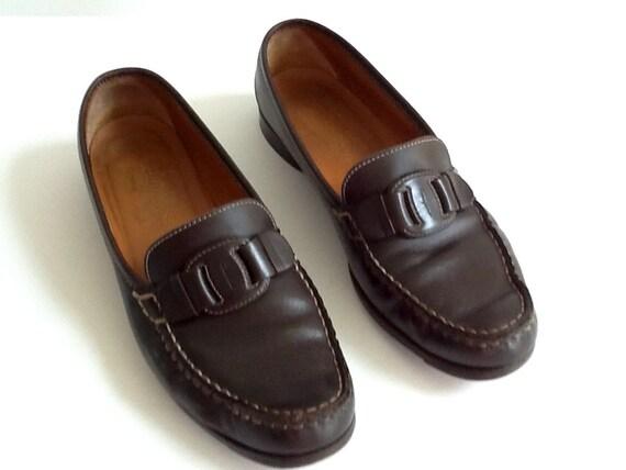 01cbe8babf7 Vintage Ferragamo Women s Brown Leather Loafers Dark