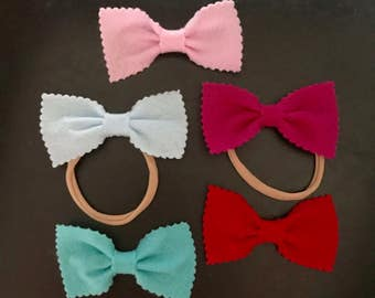 Felt Scalloped Bow