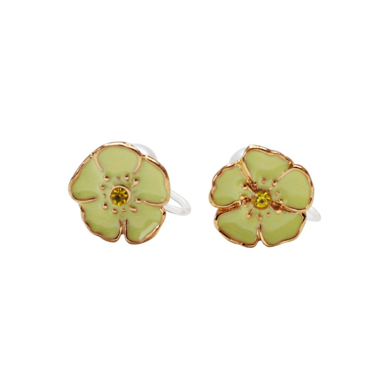 Light Green Flower Invisible Clip On Earrings Double Sided Pearl Clip On Stud Earrings Non Pierced Earrings Comfy Modern Gold Clip Earrings