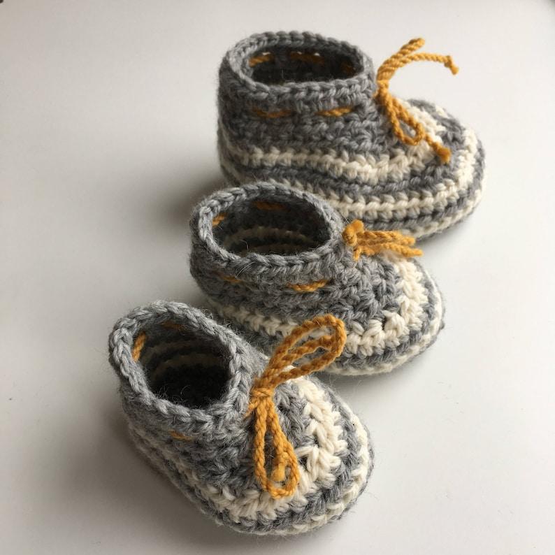 Noella baby bootie pattern. Crochet baby bootie pattern. PDF image 0