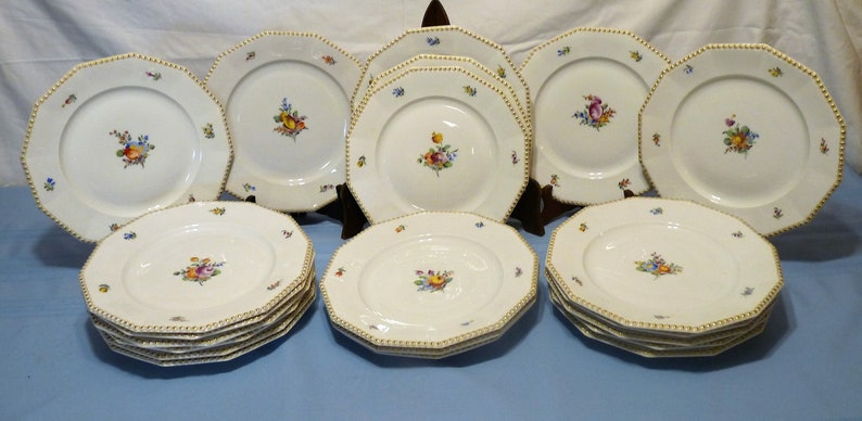Dodecagon shape 9.75 DINNER LUNCHEON PLATE #982  Choose Assorted Hand-Painted Flower Decor Nymphenburg Bavaria Perl Gold Trim Pearl