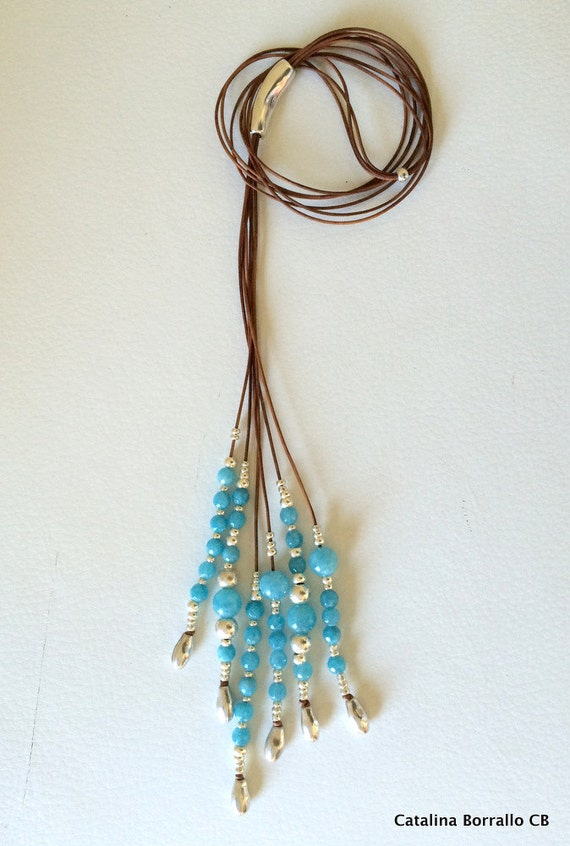 Semi-precious stone necklace mounted in leather