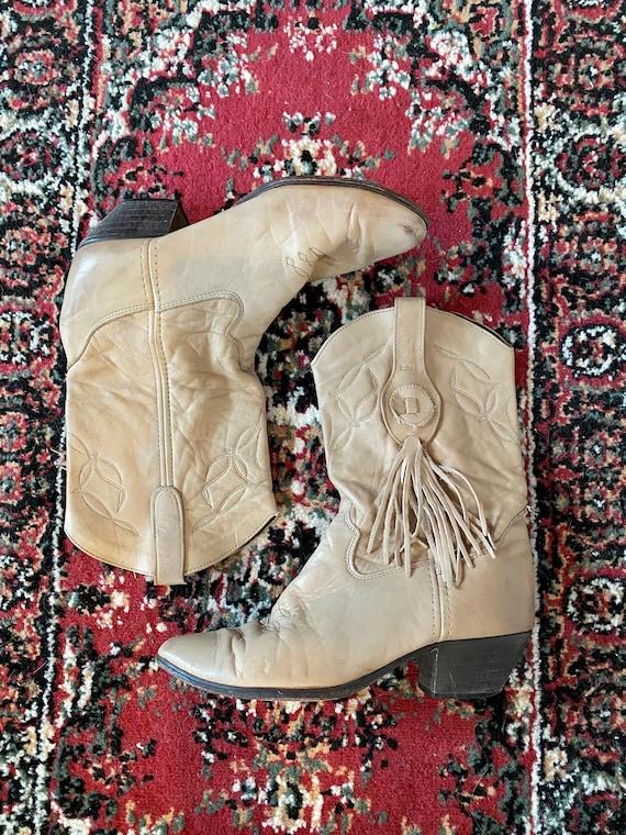 Vintage 80s Laredo Tan Fringe Western Cowboy Boots