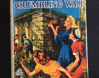 Nancy Drew Mystery Stories - The Clue In the Crumbling Wall