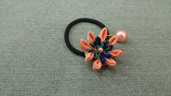 Fleur cheveux papillon, fleur cheveux élastique, cheveux japonais cravate, noeud de cheveux Kanzashi, cheveux Kanzashi Clip, Elastique a cheveux, queue de cheval titulaire