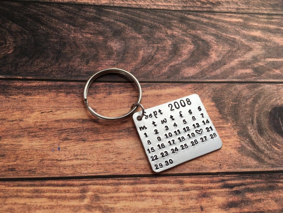 Gift Girlfriend Keychain Custom Keychain Anniversary Gift Boyfriend Date Keychain Aluminum Calendar Keychain Stamped Gifts for Men