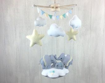 Elephant mobile - elephant family - baby mobilr - babu crib mobile - nursery decor - cloud mobile - gender neutral nursery - baby mobiles
