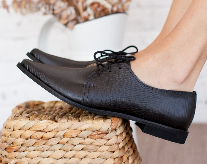 Featured listing image: Women Oxford Croco Leather Matte Black Shoes ,Pointed Oxford Tie Women Shoes