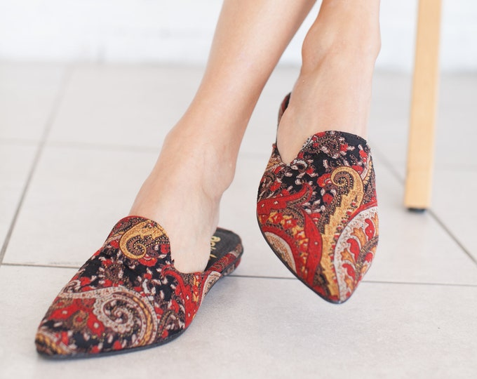 Featured listing image: Ethnic Mules, Pointed Toe Flat, Leather Mules Slides, Slip On shoes, Mule Shoes, Open heel shoes handmade