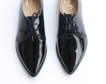 Vegan Pointed Oxford Women Shoes Black Shoes Shiny Vegan Flat Derby Woman Shoes / tie shoes