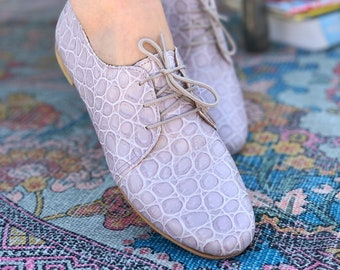 Lilac Leather Women Flat Shoes , Comfortable office shoes for woman. Leather oxfords handmade