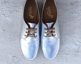 Silver oxford leather shoes
