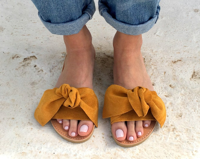 Featured listing image: bow sandals in mustard leather