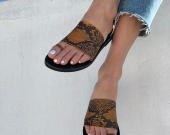 Snake print toe ring strap sandals
