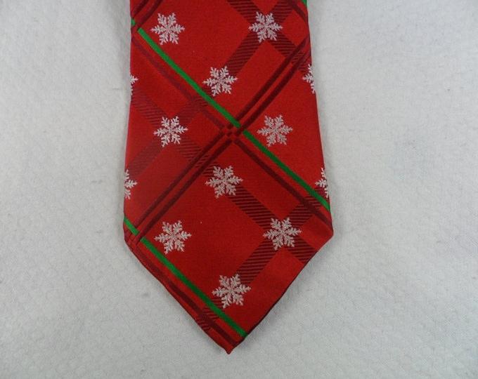 Vintage Christmas Snow Flake Tie 100/% Silk Geometric Snow Flakes Red and White Holiday  Necktie 60 x 3.75 Vintage Tie Shop T988