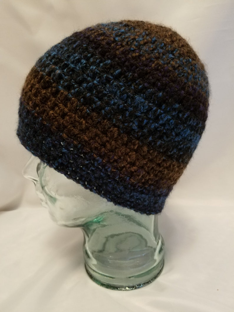 mens crochet beanie gender neural skull cap navy and brown image 0