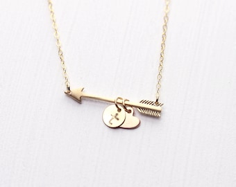 Golden Arrow Personalized Necklace, Rose Gold Necklace,  Monogram Family, Mom Necklace, Arrow Initial Necklace, Custom Name