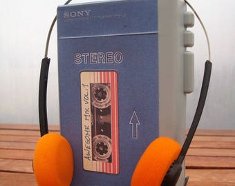 Toy Guardians of the Galaxy Vol 1 - Star-Lord Peter Quill - Sony Walkman TPS-L2 prop, with headphones.