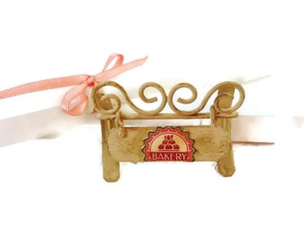Miniature shop sign / pastry shop miniature sign / bakery miniature sign  / miniature 1:12 scale / dollhouse miniature / roombox store sign