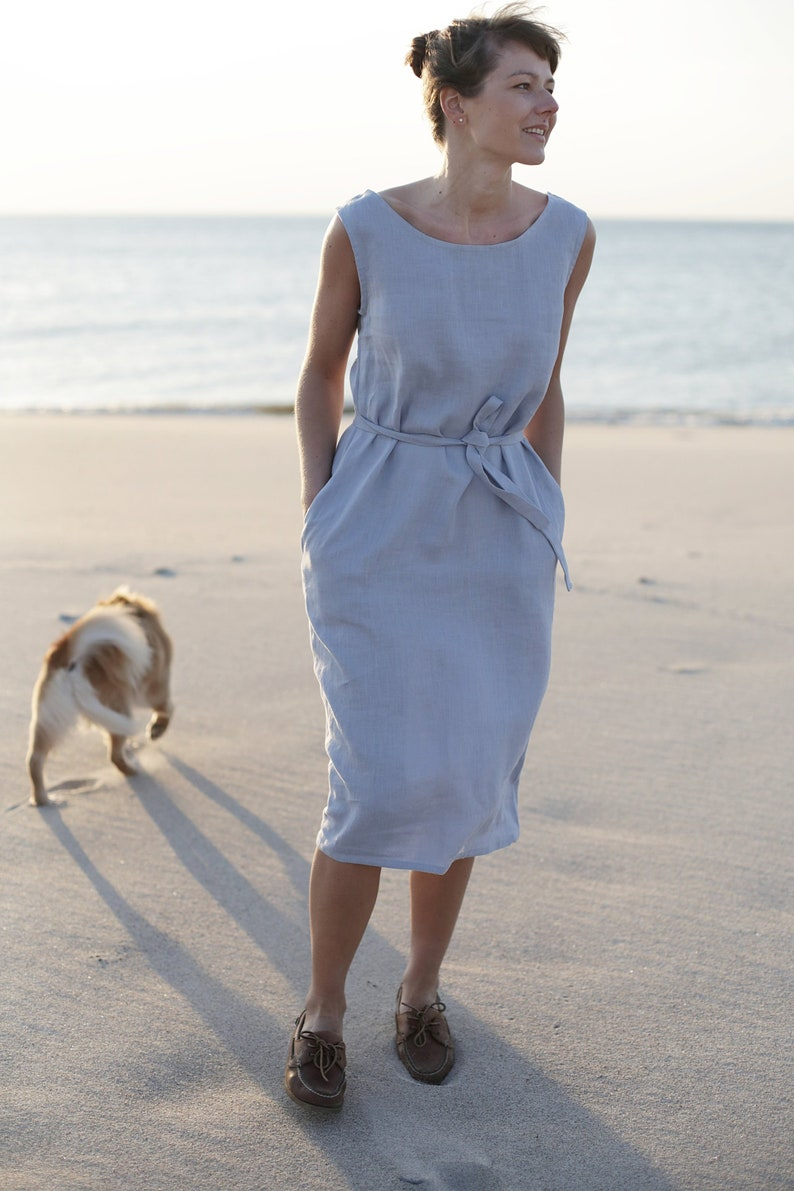 Oversized linen dress with pockets.
