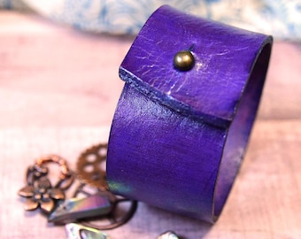 Purple Leather Wrist Cuff, Dyed Leather Cuff with Post clasp, 3rd Anniversary gift, Purple Bracelet, Leather Gift, Handmade Leather Jewelry