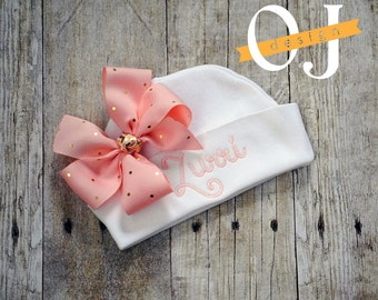 Personalized Name Baby Hat - Infant Hospital Hat - embroidered - Newborn Hat - Newborn Hat with Bow - Girl - Light Pink and Gold