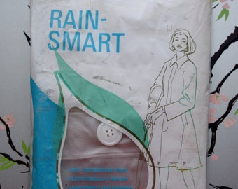 Small - Vintage Clear Vinyl Rain-Smart Raincoat