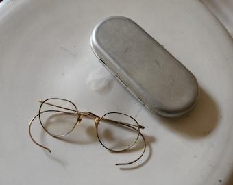 7b6833776ed6 Vintage Wire Eyeglasses with Aluminum Case