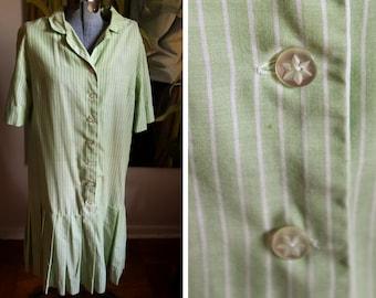 Mediun  - Vintage Green Stripped Day Dress