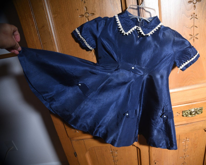 Kids Girl/'s Pretty Navy Blue Satin dress with FREE SHIPPING