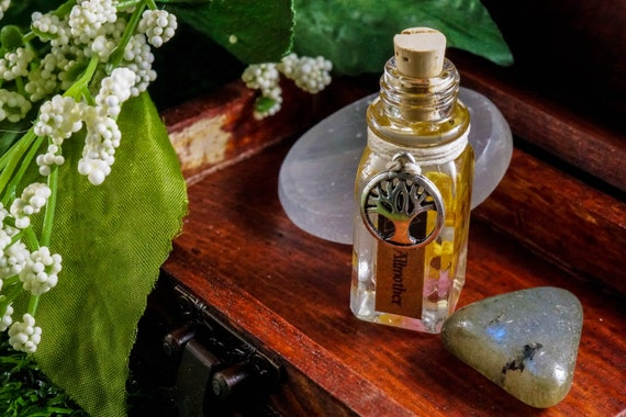 ALLMOTHER: Ritual Oil for Frigg, Norse Goddess of Marriage, Motherhood and Queen of Asgard