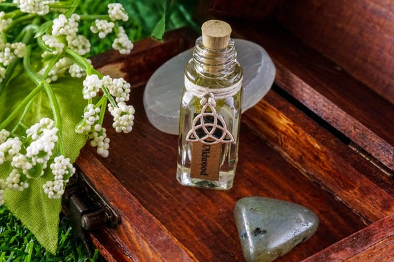 WILDWOOD: Ritual Oil for Cernunnos, Celtic God of Fertility, Animals, Death, and Wealth, Ritual Oil