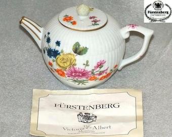 Vintage Victoria & Albert Museum Furstenberg Miniature Reproduction Teapot from Porcelain Teapot Collection by Franklin Mint 1985 (ref 5030)