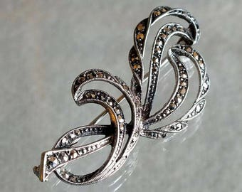 Vintage Art Deco style Marcasite and White Metal (Possibly Silver) Scrolling Brooch with a Push Pull (Trombone) Safety Clasp c.1940's