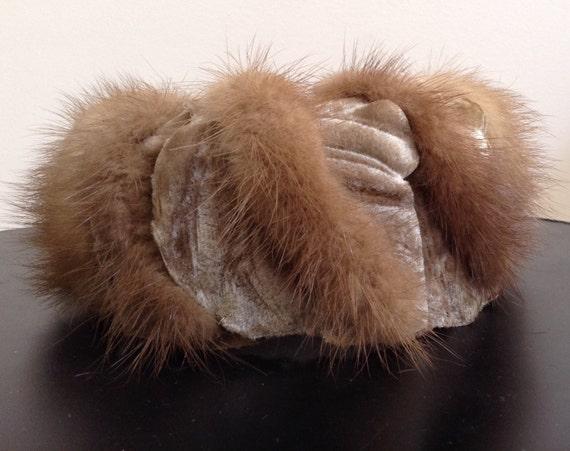 Vintage Fur Hat Modern Miss Pill Box Fur Hat 50s o