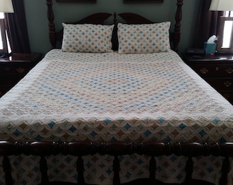 Cathedral Window Quilt - Queen
