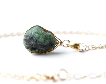Raw Emerald Necklace, Genuine Raw Emerald Pendant, Crystal Necklace, 14k Gold Filled Wire Wrapped Green Raw Stone Necklace, May Birthstone