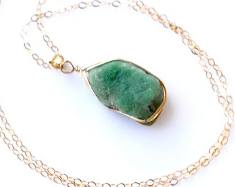 Raw Emerald Necklace Gold, Genuine Natural Raw Emerald Pendant, Raw Crystal Necklace, Gift for Mom, Green Raw Stone Necklace, May Birthstone