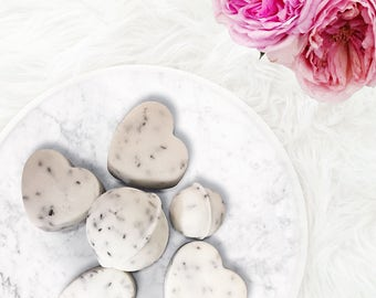 Lavender and Chamomile Organic Bath Bombs - Bath and Body Gift Sets - relaxation and spa - Coconut oils.