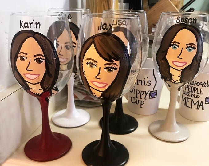 Wedding Party Wine Favor Glasses - Bridesmaid Gifts - maid of honor gifts - Bridesmaid Charicature Wine Glasses