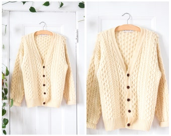 f40d7f732838b3 Vintage wool cable knit cardigan
