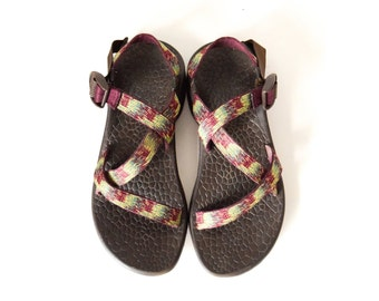 b5bb632d405af Women s Chaco sandals