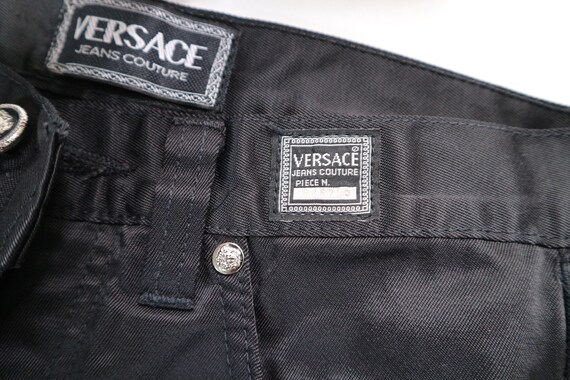 ... noir Versace jeans, des années 90 versace jeans, satin noir jeans, jeans,  ... 93a6ec52d95