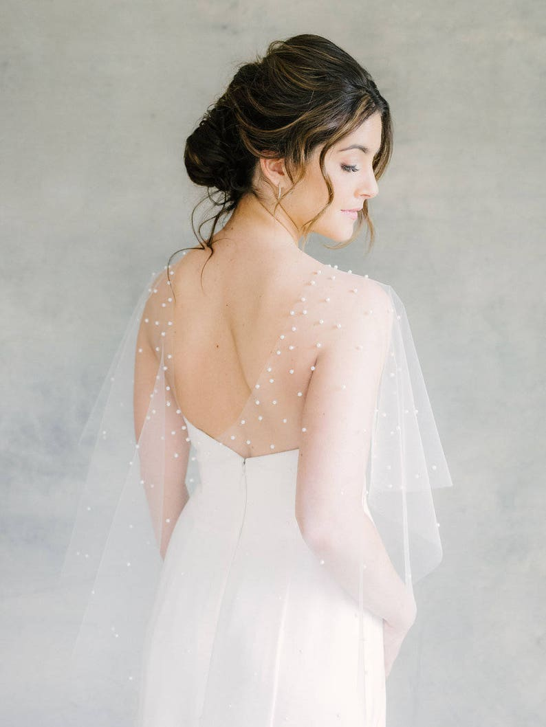 pearl and tulle caplet