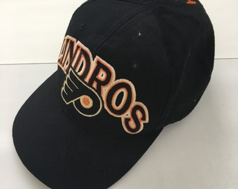 competitive price a0a25 170cd Vintage STARTER Eric Lindros 88 Philadelphia Flyers NHL hockey SnapBack hat  Cap